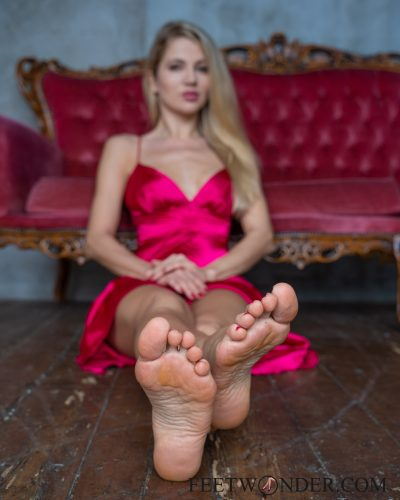 Beautiful Female Soles-10