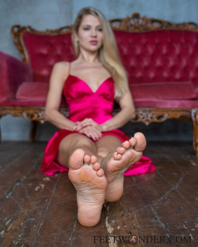 Beautiful Female Soles-11