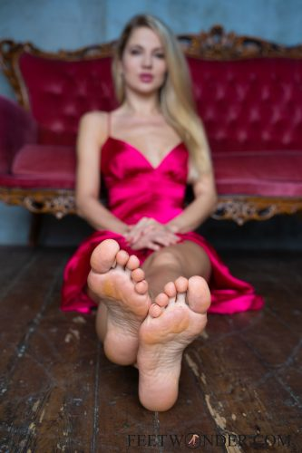 Beautiful Female Soles-19