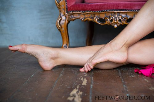 Beautiful Female Soles-43