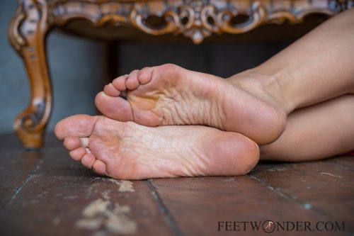 Beautiful Female Soles-5