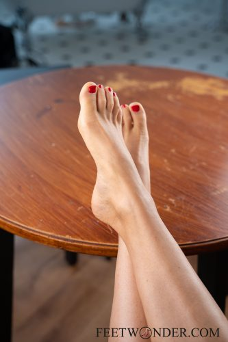 Sexy Female Soles And Toes-26