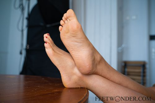 Sexy Female Soles And Toes-38