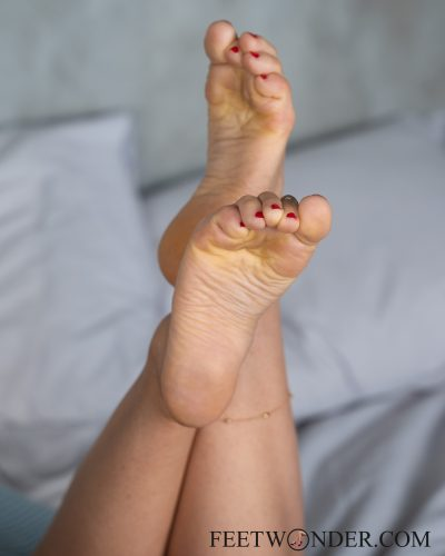 Sexy Female Soles And Toes-21